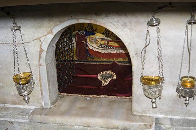 11 e Altemplom oltár alatt ereklyék