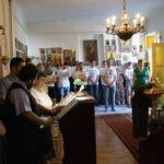 A MORISZ augusztusi ifi-táborának fiataljai a szegedi Szent György templomban